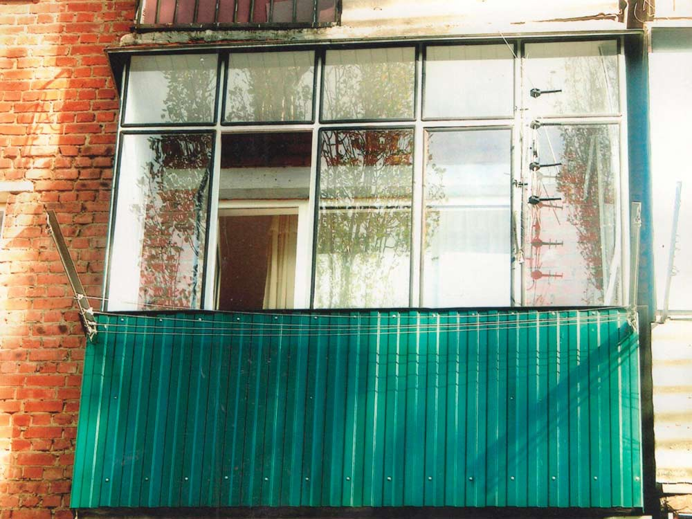 Балкон до ремонта (отделки)