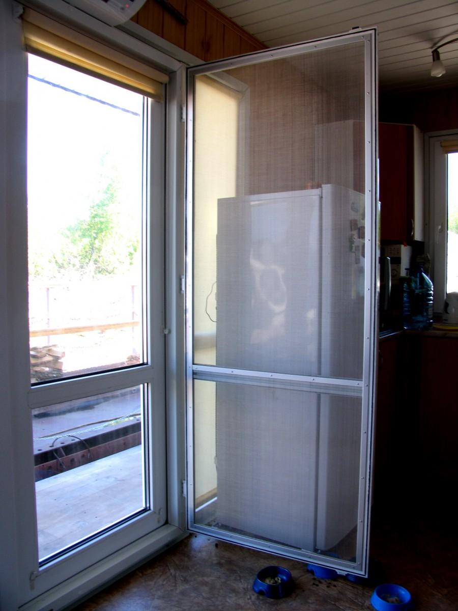 Москитная (противомоскитная) сетка дверная