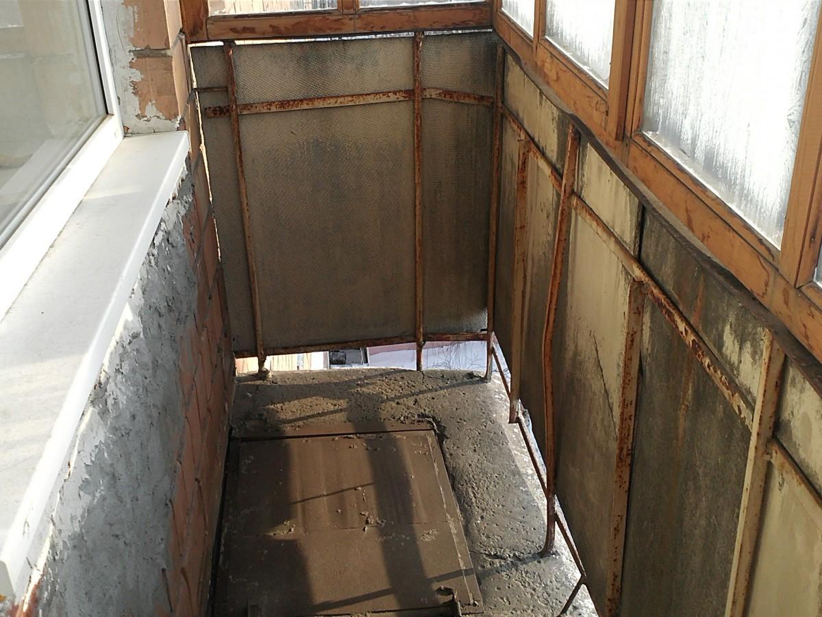 Балкон до ремонта и отделки