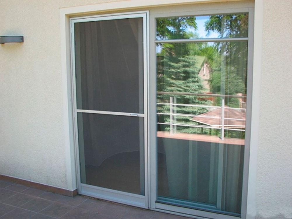Москитная (противомоскитная) сетка на дверь